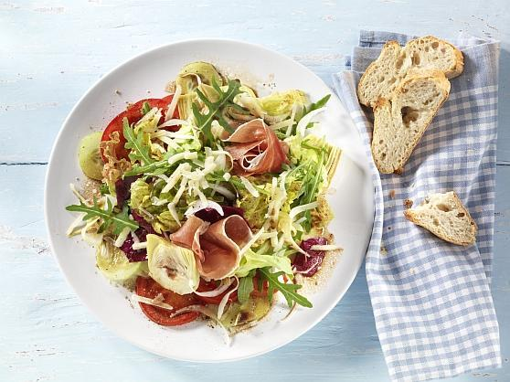 1083 Salat Parmaschinken u Kaese