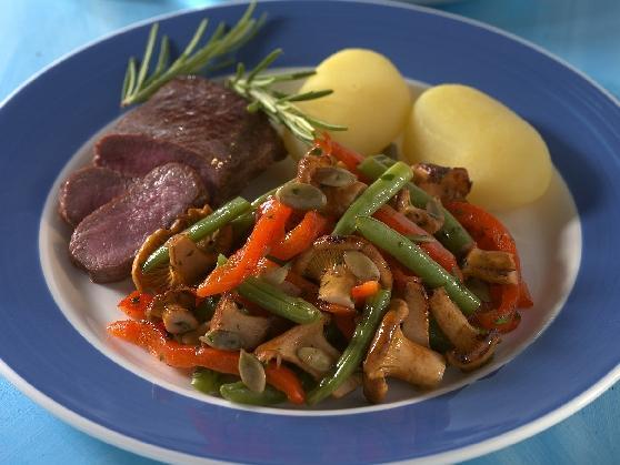 Lammfilet mit Bohnen-Pfifferling-Gemüse - BCM Diät Rezepte.ch