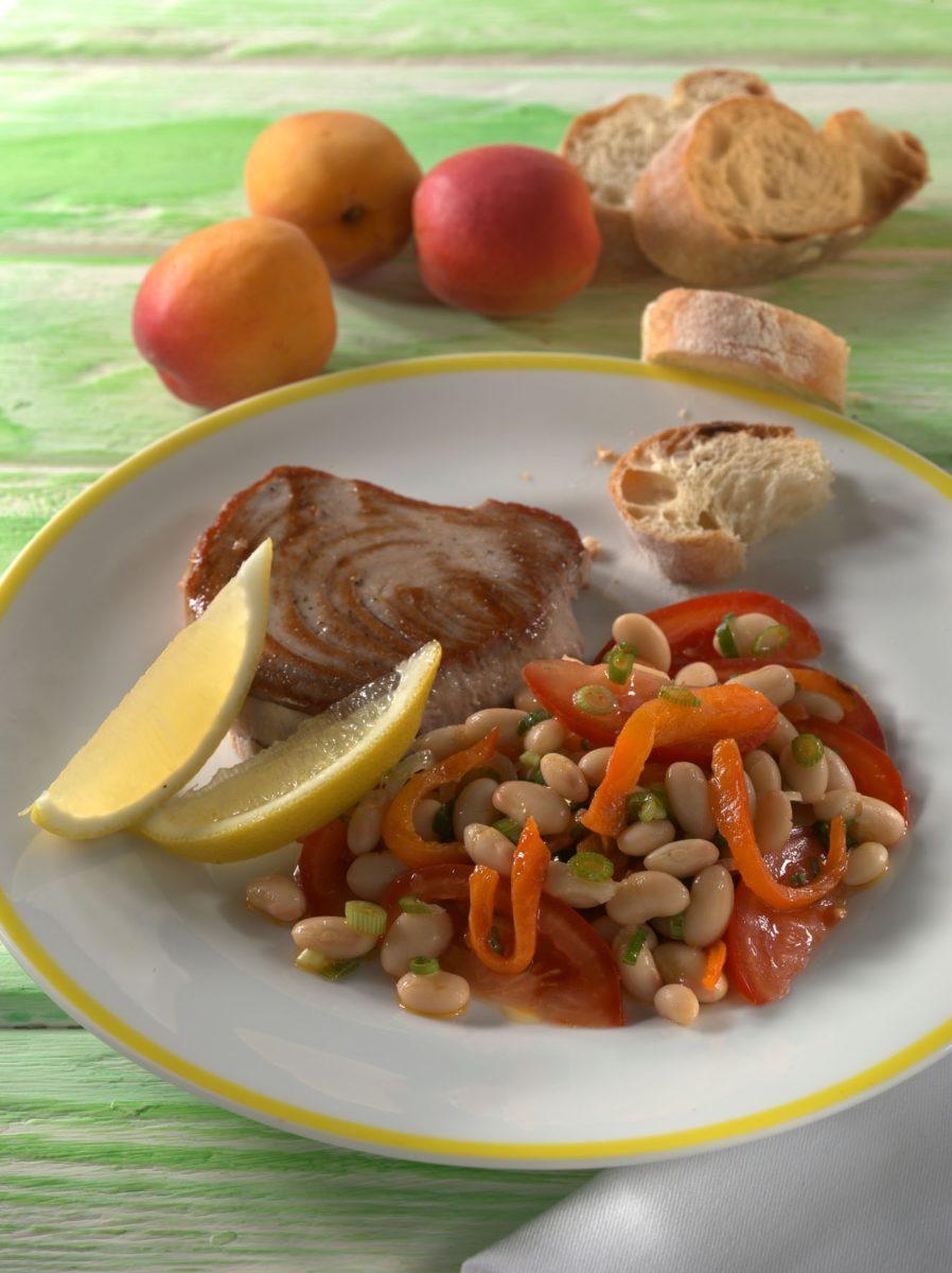 gegrillter thunfisch mit paprika bohnen salat