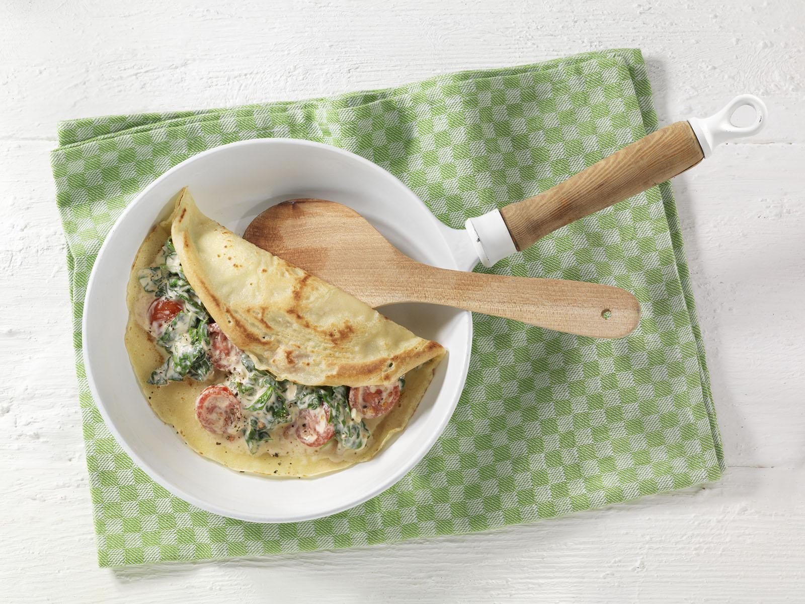 Gefuellte Dinkel Pfannkuchen Spinat Tomaten