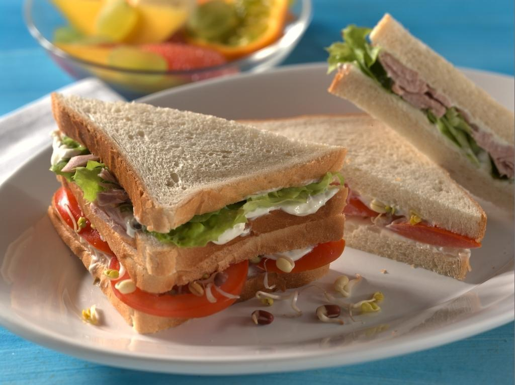 Thunfisch- und Tomatensandwich - BCM Diät Rezepte.ch