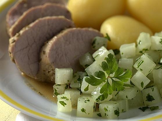 Mariniertes Schweinefilet mit Steckrübengemüse - BCM Diät Rezepte.ch