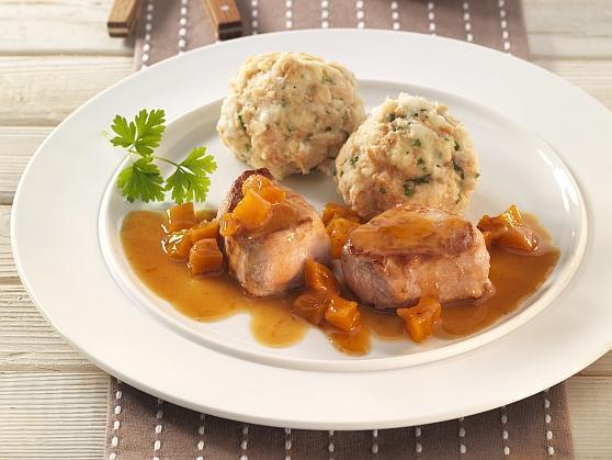 Medaillons vom Schwein mit Aprikosensauce und Semmelknödeln - BCM Diät Rezepte.ch