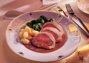 Braten von zweierlei Filet mit Brokkoli und Gnocchi - BCM Diät Rezepte.ch