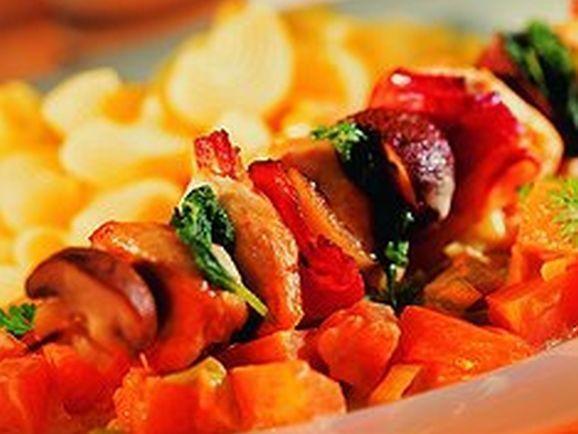 Hähnchenspieße mit Kürbisgemüse - BCM Diät Rezepte.ch
